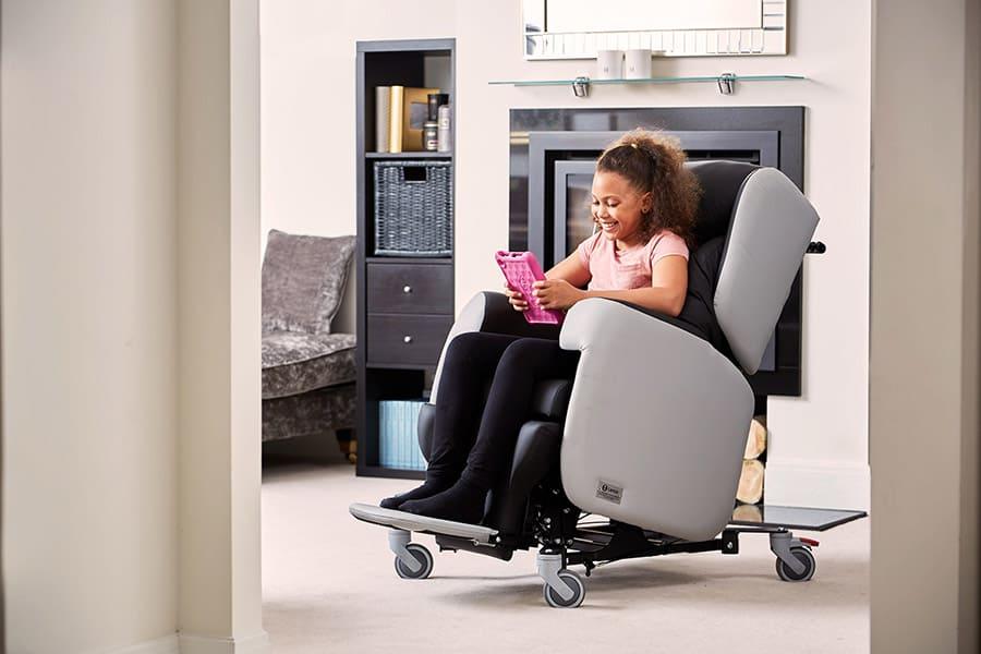 YCE Little Lento Care Chair